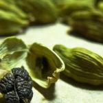 10 Gesundheitliche Vorteile von Kardamom, unterstützt durch die Wissenschaft