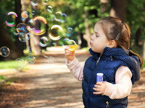 10 häufige Kindheitsausbrüche