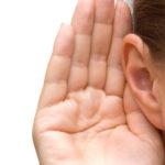 9 Einfache Möglichkeiten, Flüssigkeit im Ohr zu entfernen