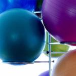 6 Gymnastikball-Gesundheitsvorteile (und 6 Gymnastikball-Trainings für Sie!)