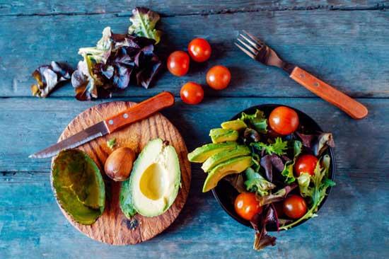 Whole30 Diätplan - 10 nachgewiesene Gesundheitserfahrungen ( +Rezepte)
