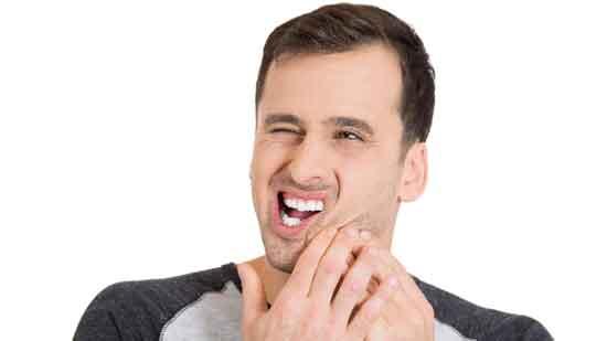 Gesichtskribbeln 7 mögliche Ursachen (und wie zu behandeln)