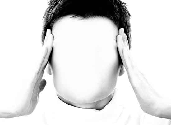 Was verursacht primäre und sekundäre Kopfschmerzen