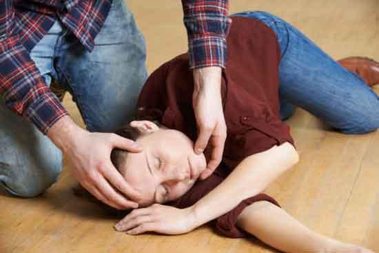 Erste-Hilfe-Leitfaden Was ist vor und nach dem Anfall zu tun