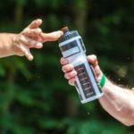 Trinken von Elektrolytwasser: 3 Effekt (und wie man es zu Hause macht!)