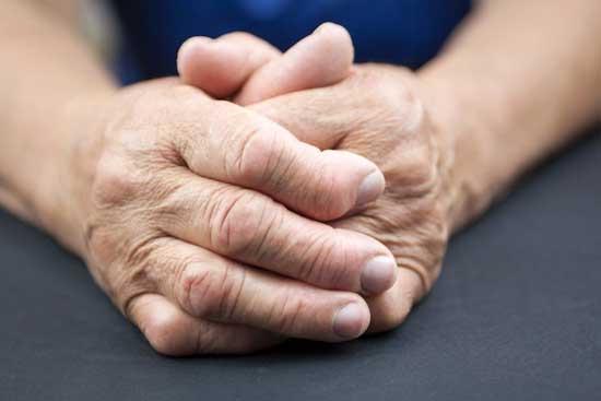 Dyshidrose wiki behandeln, Fuß, ansteckend, Ernährung, Homöopathie