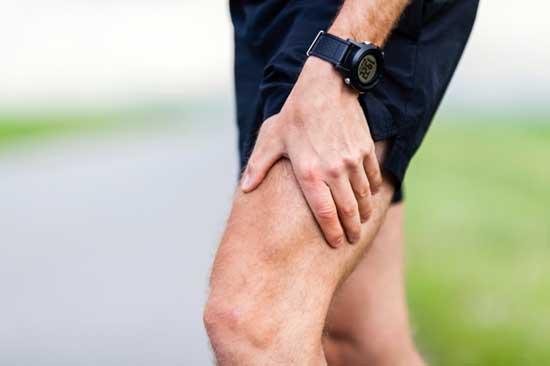 Kribbeln oder Taubheit in den Beinen Ursachen, Symptome, Behandlung