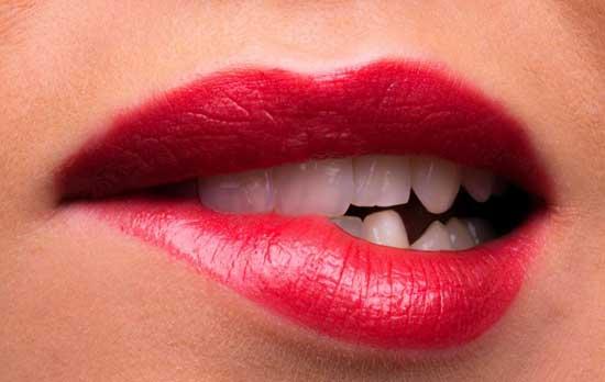 Lippen zucken 11 mögliche Ursachen und Behandlung (nerven)