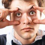 mit offenen Augen schlafen, Ursachen und Behandlung
