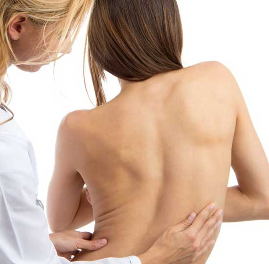 Skoliose Ursachen, Symptome, Behandlung und Therapie
