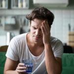 Übelkeit und GERD: Ursachen, Abhilfemaßnahmen und wann Sie einen Arzt aufsuchen sollten