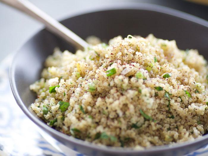 11 Nachgewiesene gesundheitliche Vorteile von Quinoa