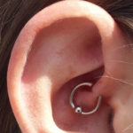 Daith Piercing aus Angst: Funktioniert es? Ein Mythos oder eine Lüge?