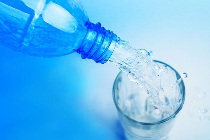 Kann alkalisches Wasser Krebs behandeln Die Forschung ist hier.....