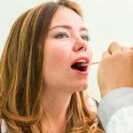 Kehlkopfentzündung (Laryngitis): Ursachen, Symptome und Behandlung