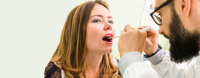 Kehlkopfentzündung (Laryngitis) Ursachen, Symptome und Behandlung