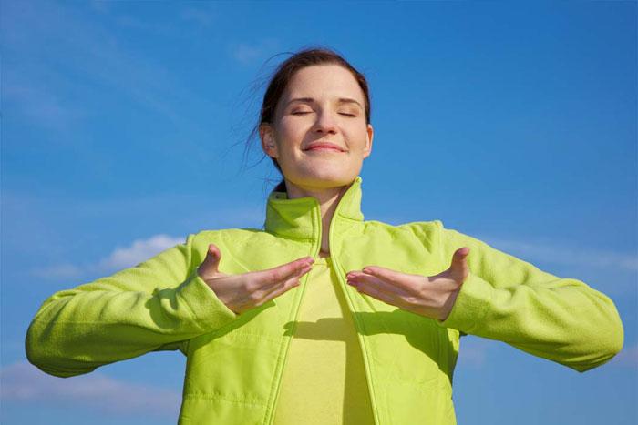 Tiefe Atmung kann helfen, die Gesundheit und Haltung zu verbessern.