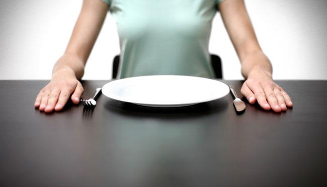 8 Gesundheitliche Vorteile des Fastens, unterstützt durch die Wissenschaft