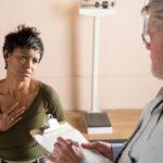 Brustwandschmerzen: Symptome, Behandlung und mögliche Ursachen