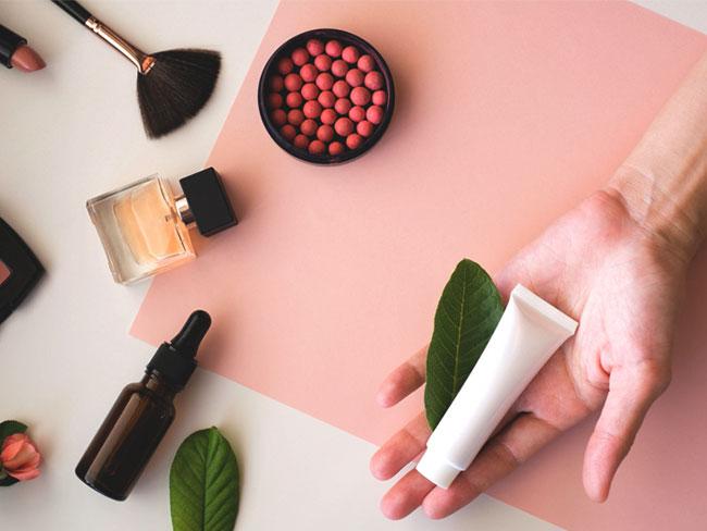 Cetearylalkohol Was es ist & wie es in Ihren Kosmetikprodukten verwendet wird