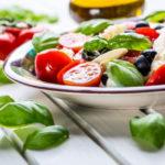 Die Mittelmeer-Diät kann helfen, Lebererkrankungen vorzubeugen.