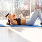 Die besten Ab Übungen für Frauen: 5 Bewegungen für einen flachen Bauch