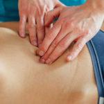 Geschwollener Bauch: Ursachen und Behandlung