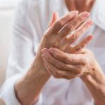 Habe ich Arthritis? Frühe Symptome