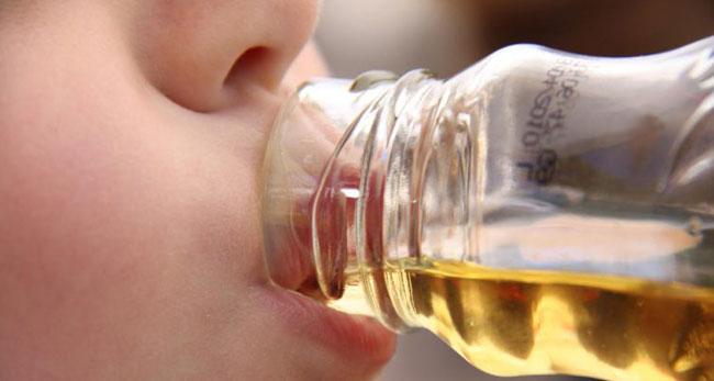 Ist das Trinken von Apfelessig vor dem Schlafengehen vorteilhaft