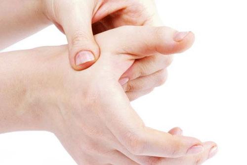 Symptome und Behandlung der Basalgelenksarthritis