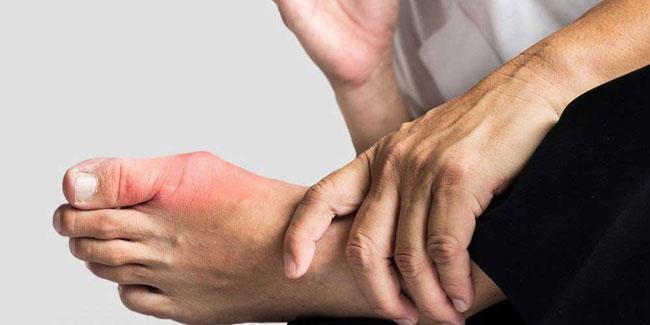 Ursachen für starke Schmerzen bei Großzehe Nachts, beim Spazierengehen und mehr