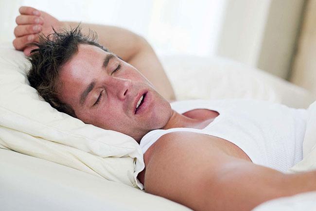 Was verursacht Nachtschweiß bei Männern 10 Ursachen und Zeitpunkt des Arztbesuchs