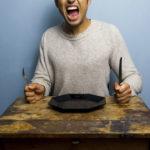 Wie lange kann man ohne Nahrung leben? Auswirkungen des Hungers