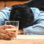 Wie man nüchtern wird: Schnell, am Morgen und vor dem Schlafengehen