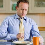 Wie man von Schwefelgeruchsbrüllen befreit wird: 7 Wege