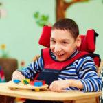 Zerebrale Lähmung: Symptome, Ursachen, Typen und Behandlungen