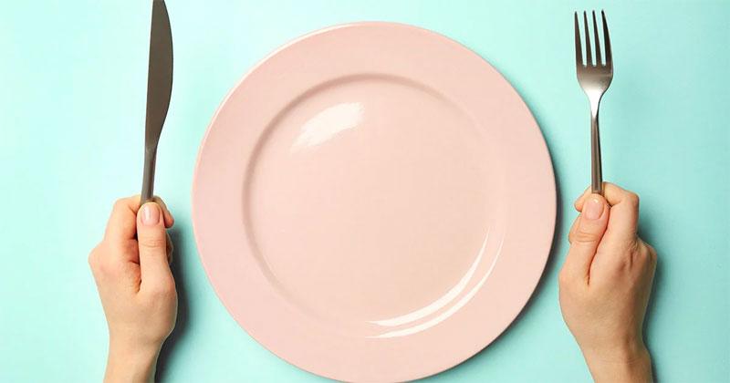 Intermittierendes Fasten hilft Ihnen nicht dabei, Gewicht zu verlieren, so eine UCSF-Studie